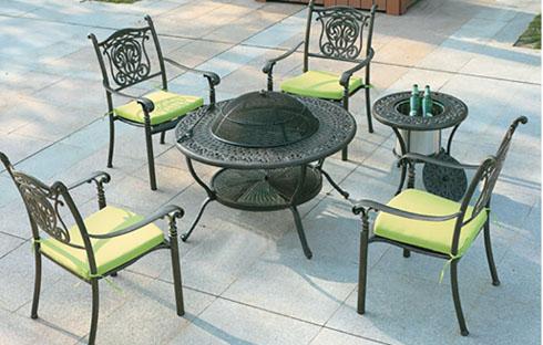 Bộ bàn ghế sân vườn kiểu dáng cổ điển ZXFK015