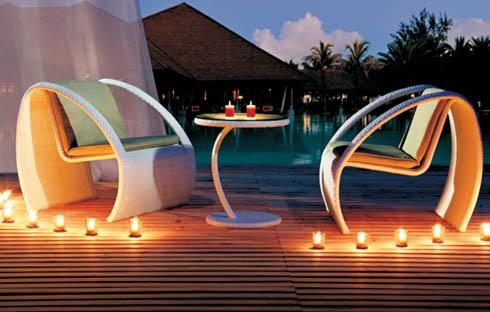 Thưởng ngoạn 4 mẫu bàn ghế mây sân vườn dành cho 2 người đẹp mê li