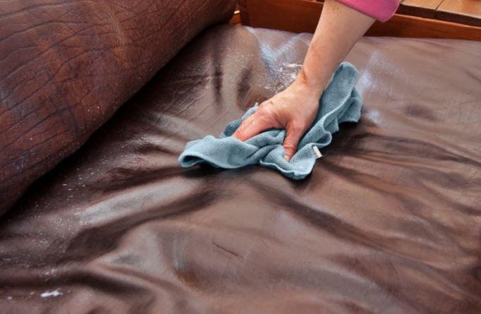 4 thói quen đơn giản giúp bảo quản ghế sofa phòng khách bền lâu