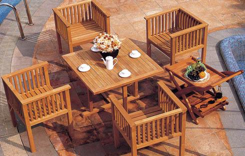 Gợi ý những mẫu bàn ghế ngoài trời chất liệu gỗ tốt nhất