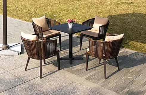 Mách bạn địa chỉ mua bàn ghế gỗ ngoài trời TP.Hồ Chí Minh giá rẻ nhất hiện nay