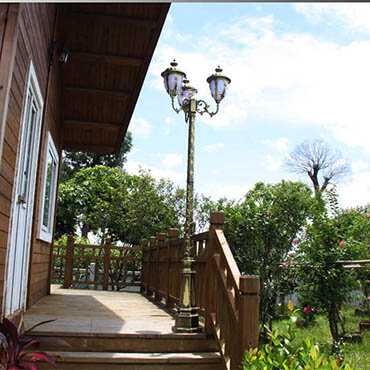 Chiêm ngưỡng các loại đèn sân vườn 3 bóng kiểu dáng độc đáo