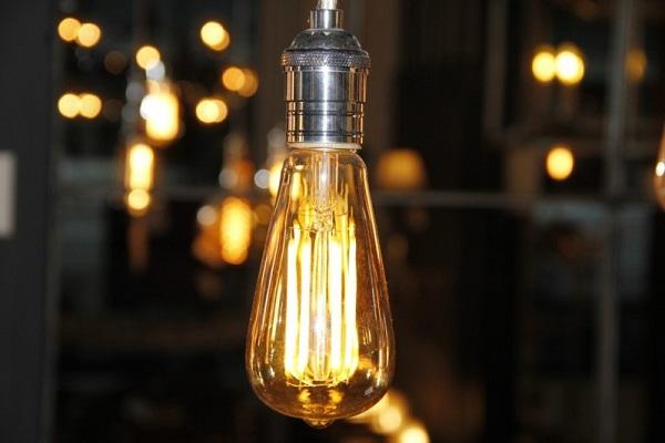 Góc tư vấn bạn đọc: Bóng đèn nào tiết kiệm điện nhất?